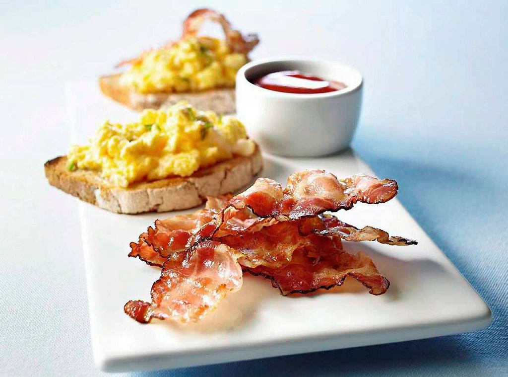 Bacon & Eggs - jajka na bekonie