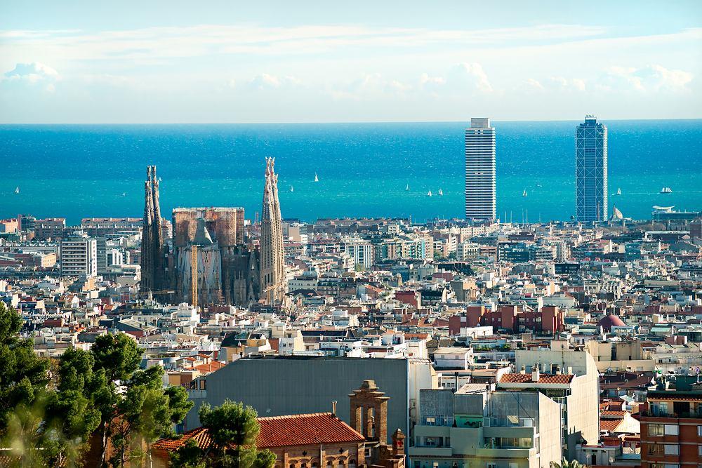 Hiszpania. Widok na Barcelonę z Parku Guell