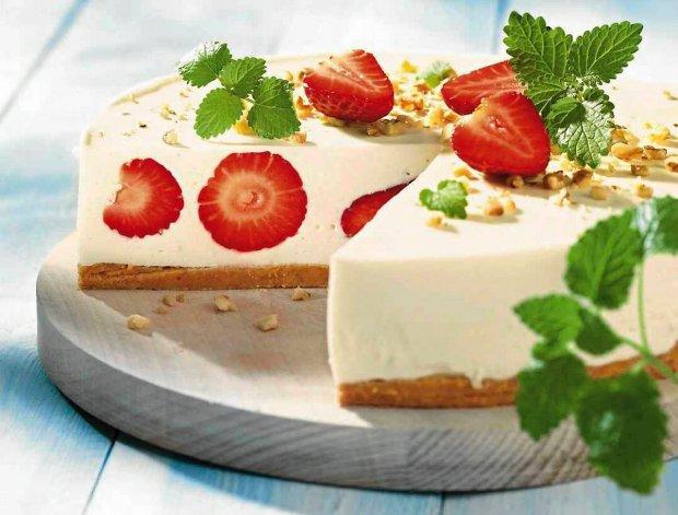 Sernik - ciekawa historia ciasta i najlepsze przepisy
