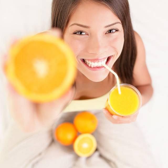 Dzięki rutynie zawartej w pomarańczach organizm lepiej przyswaja witaminę C