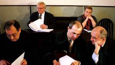 9 lutego 2005 r. Sąd Okręgowy w Warszawie. Wznowienie procesu oskarżonych w aferze FOZZ
