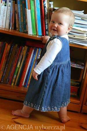 Dziesięciomiesięczny niemowlak: Taka postawa Jagódki to wyjątkowa rzadkość.