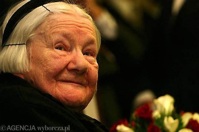 10.11.2003, Irena Sendlerowa dostaje Order Orła Białego