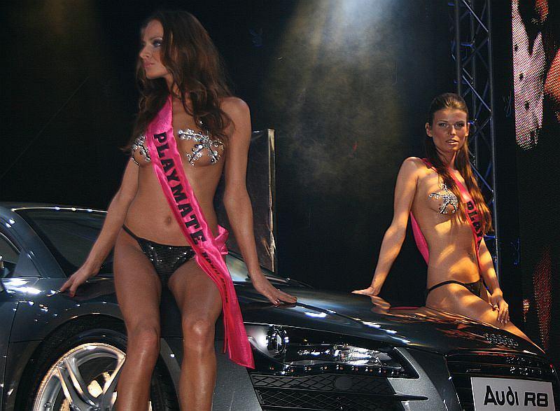 Auto Roku Playboya - Audi R8 w pięknym towarzystwie