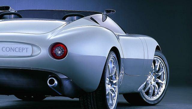 Niektórych prototypów nie da się zapomnieć! W dziewięć lat po pierwszym pokazie (2000) Jaguar F-type nadal wzbudza szybsze bicie serca