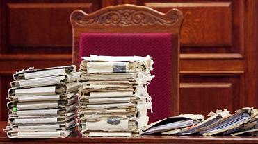 Akta sądowe (zdjęcie ilustracyjne)