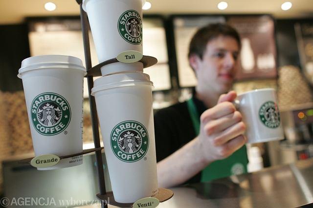 W ciągu najbliższych pięciu lat Starbucks planuje zatrudnić 10 tys. uchodźców w 75 krajach, w których działają jego kawiarnie.
