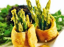 Panga ze szparagami w sosie szafranowym - ugotuj