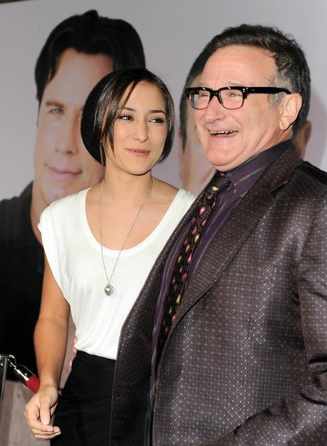 Zelda Williams, at left, and Robin Williams arrive to the premiere of Old Dogs on Monday Nov. 9, 2009, in Los Angeles. (AP Photo/Katy Winn)