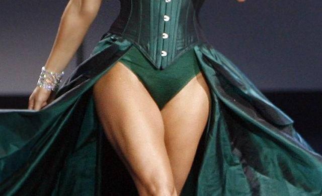 Która wokalistka ma taaakie biodra? Od razu powiemy, że to nie Jennifer Lopez!