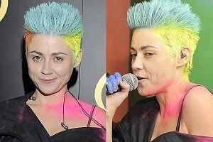 Maria Peszek stara się być kontrowersyjna - cóż, taką drogę kariery wybrała. Najwyraźniej uznała, że zaskakujące i oryginalne będzie pomalowanie ciała i włosów farbami. Tak zagrała ostatnio koncert. Jak wyglądała? Naszym zdaniem był to kiepski pomysł, ale przynajmniej tani (koszt farb).