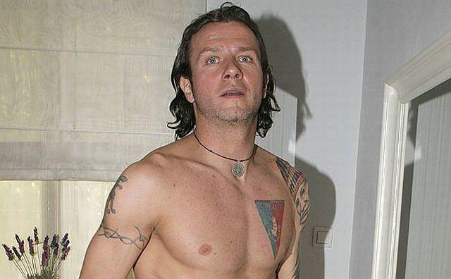 Liczne tatuaże zdobią (czy szpecą?) ciało piłkarza