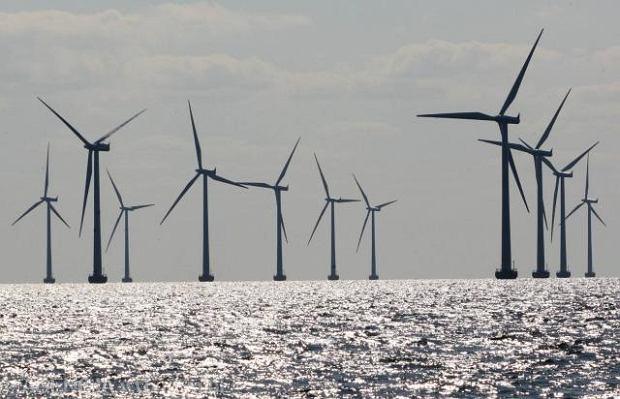 Wielka Brytania chce wybudować gigantyczne elektrownie wiatrowe na morzu