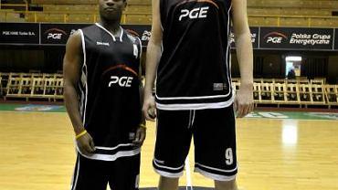 Aleksandar Rindin ma 225 cm wzrostu. Ronnie Thompson - 178.