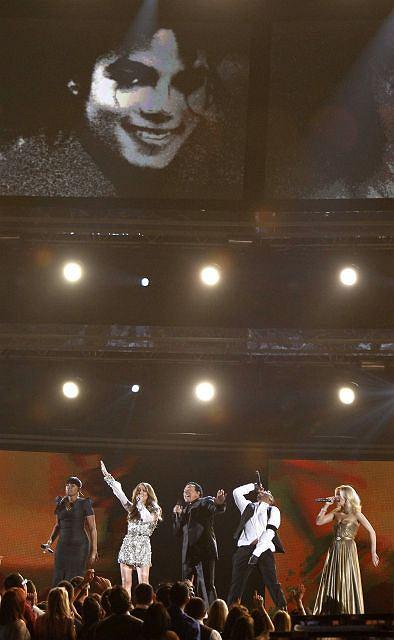 Zdjęcie numer 23 w galerii - Dwie największe triumfatorki Grammy 2010 [galeria]