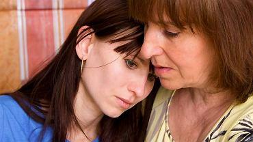 Pomoc bliskich osób jest podczas depresji bardzo potrzebna choremu. Bez tego trudno uporać się z chorobą.