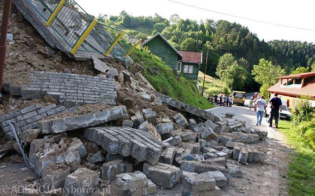 Droga krajowa nr 87 - już w zeszłym roku osunęła się ziemia, w tym sytuacja się powtórzyła