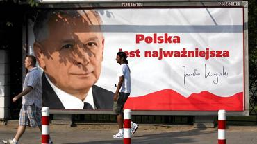 10.06.2010. Billboard wyborczy Jarosława Kaczyńskiego. Zgodnie z nowym kodeksem wyborczym takie reklamy nie mogłyby się już pojawiać