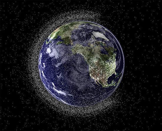 Kosmiczne śmieci na orbicie wokół Ziemi
