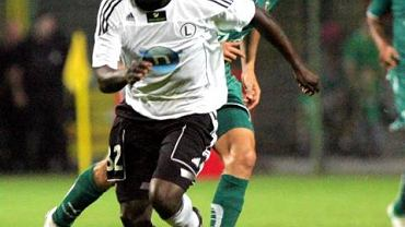 Takesure Chinyama grał w Legii w latach 2007-11. Teraz broni barw LZS-u Piotrówka