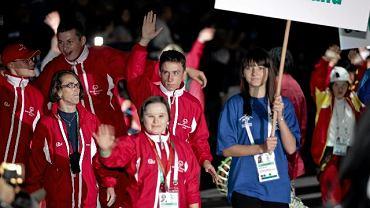 Hala Torwar czwartek wieczorem. Uroczystość zakończenia Europejskich Letnich igrzysk Olimpiad Specjalnych ELIOS 2010