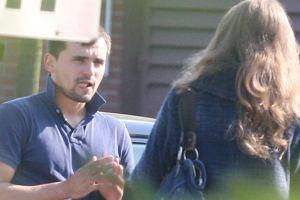Na początku tygodnia pojawiły się informacje, że Marcin Dubieniecki kupił porsche 911. Paparazzi wypatrzyli adwokata na parkingu przy centrum handlowym w Trójmieście.