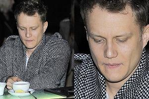 Na wczorajszej imprezie ITV pojawił się nasz polski król RnB Mrozu. Nie wyglądał jednak na pełnego wigoru faceta. Mrozowi doskwierają chłodne dni?