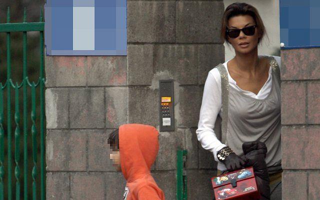 Edyta Górniak w przerwach między treningami stara się być super mamą.