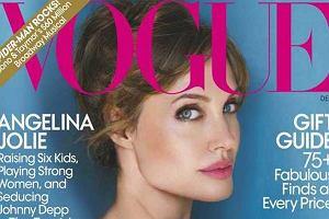 Na ekrany kin wejdzie wkrótce najnowszy film z boską Angeliną Jolie, The Tourist. Promocja ruszyła pełną parą. Angie wystąpiła w związku z tym przed obiektywem słynnego fotografia Mario Testino, a efekty można zobaczyć w najnowszym numerze amerykańskiego wydania magazynu Vogue. I u nas.