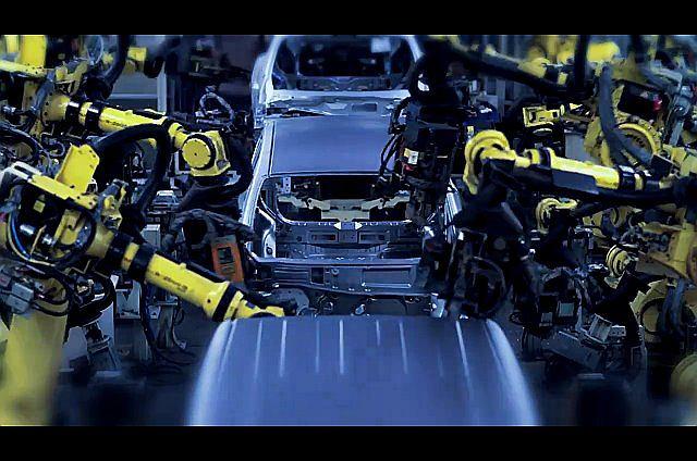 Linia produkcyjna, na której powstaje Nissan Leaf
