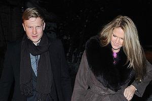 Kuba Wesołowski na premierę nowego kalendarza Oliviera Janiaka Dżentelmeni 2010 zabrał nową dziewczynę Zosię Ślotałę.