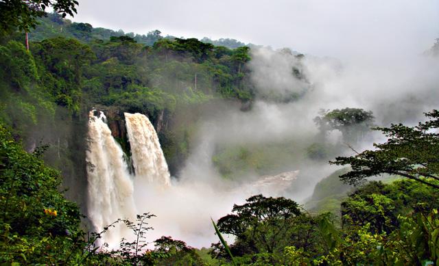 Kamerun - wodospady Ekom Nkam