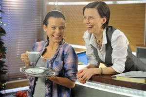 Agata Kulesza i Anna Mucha na planie serialu Prosto w serce