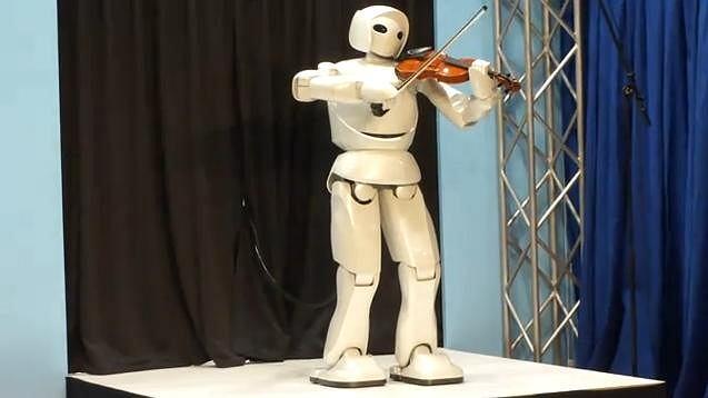 Robot-skrzypek Toyoty.