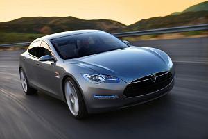 Tesla S: więcej zapłacisz, dalej pojedziesz