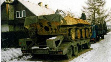 Pantera transportowana po wydobyciu z Czarnej Nidy