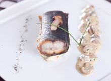 Węgorz bałtycki z sosem borowikowym i purée ziemniaczano-warzywnym - ugotuj