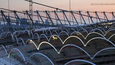 Konstrukcja dachu Stadionu Narodowego jest charakterystyczna i bardzo nowoczesna