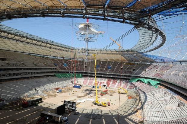 Stadion Narodowy: montują zamykany dach [ZDJĘCIA]