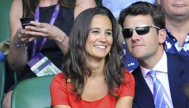 Niedawno pisaliśmy o dywagacjach brytyjskiej prasy na temat kolejnego królewskiego ślubu. Wygląda na to, że nic z tego nie będzie. Harry plotki zdementował, a Pippa pokazała się publicznie z innym mężczyzną...