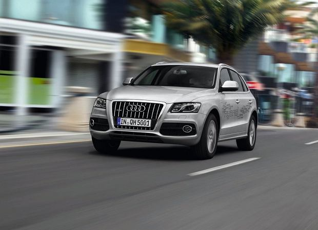 Nadjeżdża Audi Q5 Hybrid quattro