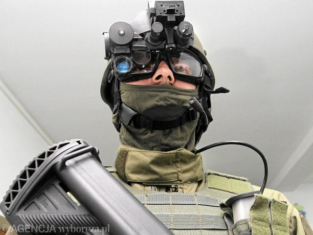 Sprzęt łączności żołnierza sił specjalnych