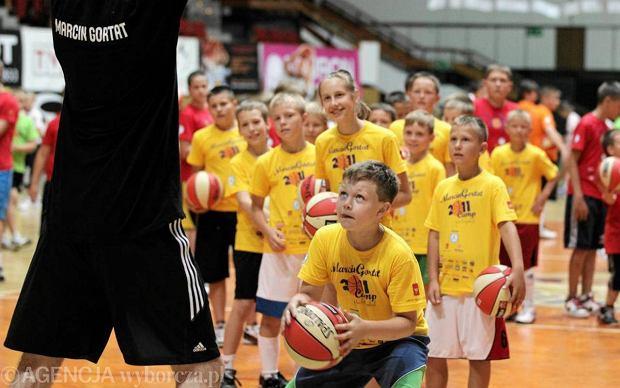 Młodzi koszykarze z Mazur chcą grać jak Adam Wójcik