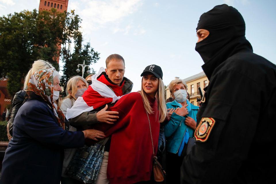 Zdjęcie numer 2 w galerii - Kobiety protestują na Białorusi.