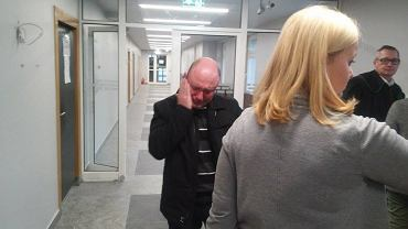 Mąż kobiety i dziecka, zmarłych podczas porodu w szpitalu przy Polnej w Poznaniu