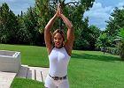 Serena Williams uprawia jogę na świeżym powietrzu. Towarzyszy jej dwuletnia córka