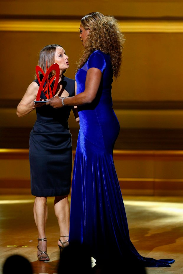 Actress Laverne Cox (R) speaks with actress Jodie Foster after winning a Glamour Woman of the Year award during Glamour Magazines annual awards ceremony in New York November 10, 2014.  REUTERS/Lucas Jackson (UNITED STATES - Tags: ENTERTAINMENT)