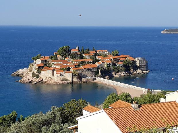 Czarnogóra. Wyspa Sveti Stefan - jeden z najbardziej luksusowych punktów na mapie całego wybrzeża