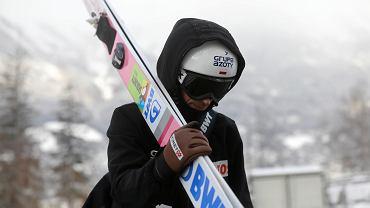 Piotr Żyła podczas treningu przed kwalifikacjami do konkursu. Turniej Czterech Skoczni, Insbruk, 3 stycznia 2018