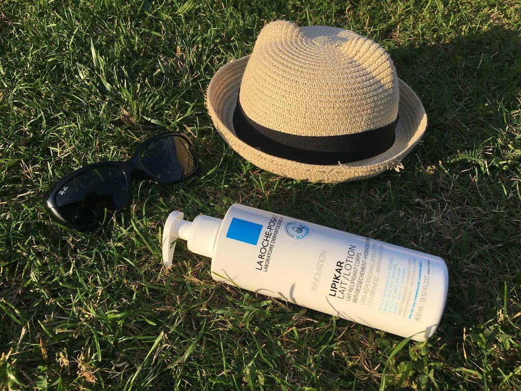 Kapelusz, okulary i dobry balsam przydadzą się każdemu, nie tylko w czasie wakacji.